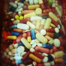 freetoedit pills medicine tabletten photography